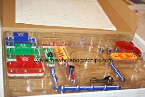 The kit comes in a box that helps to keep the pieces organized and helps the kids know which piece is which.